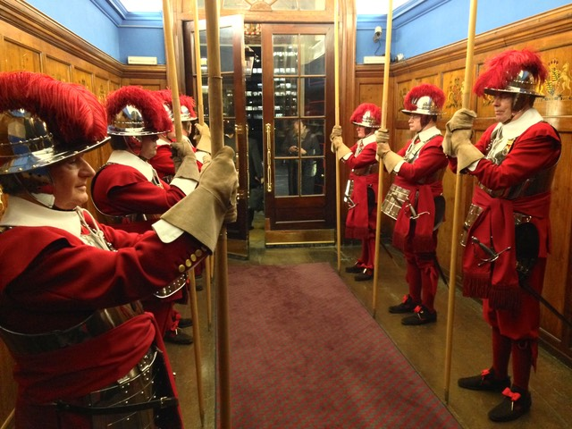 Pikemen and Musketeers of the Honourable Artillery Company lining the entrance hallway to the HAC's Armoury House